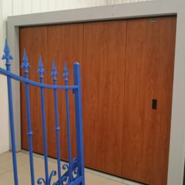 PORTE A DEPLACEMENT LATERAL